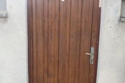 врата от метални профили